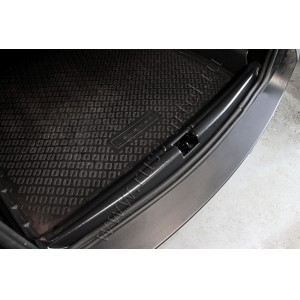 Русская Артель  Накладка на порожек багажника Renault Duster c 2010г Nissan Terrano с 2014г